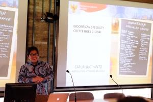 Dr. Catur Sugiyanto, Atase pertanian KBRI Brussel, menyampaikan potensi specialty coffee dalam menembus pasar global.